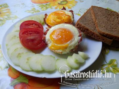 Ham and eggs újragondolva recept fotója